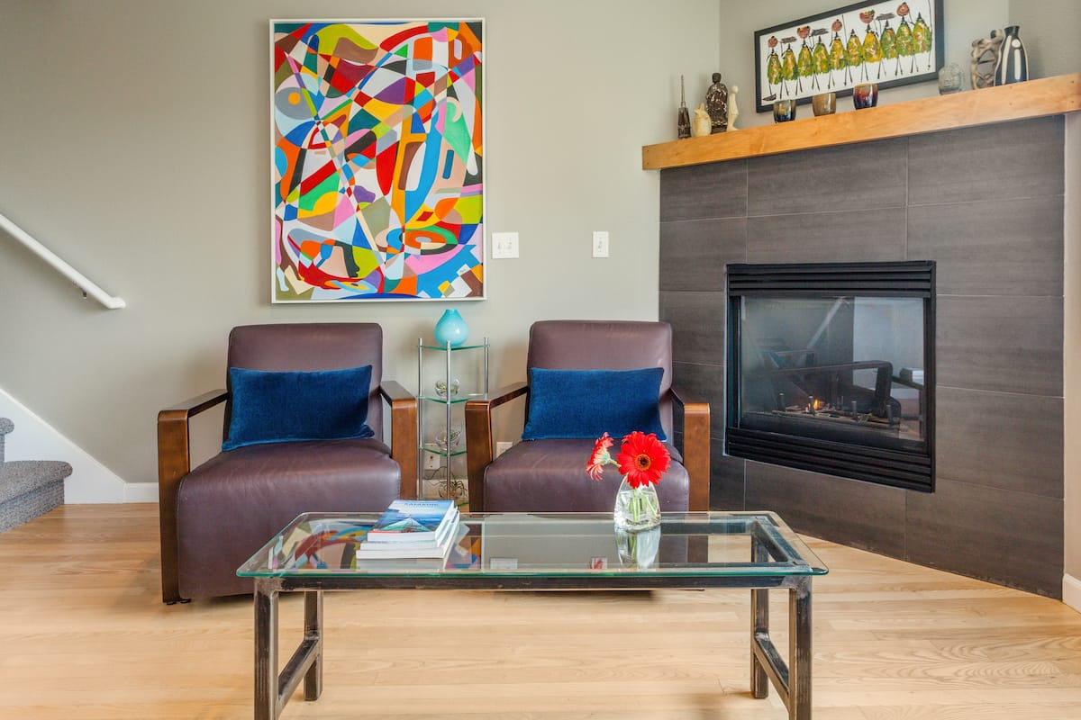 Centrally Located Townhouse on Private Floor with a View