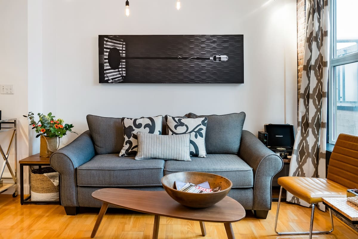 Voted Best of Nashville - Vibrant & Fantastic Downtown Condo
