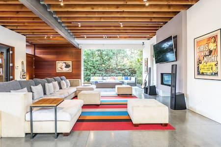 Architectural Masterpiece with Roof Deck