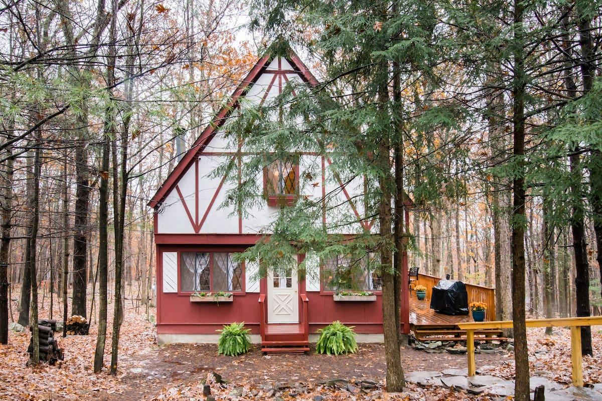 Secret Getaway Nestled in a Woodland Setting