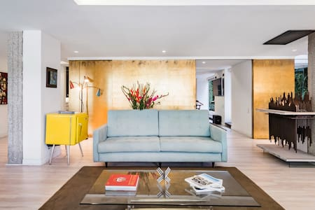 Escultural apartamento con verjel incluido en la mejor zona de Bogotá