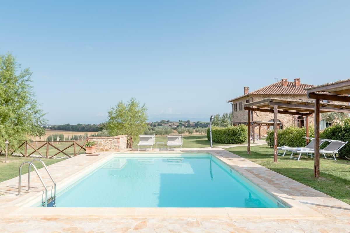 Podere Molinaccio-Luxury Tuscan-style Eco Farmhouse