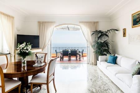 Villa Pablo Capri -  Lussuoso appartamento con idromassaggio e vista sul mare