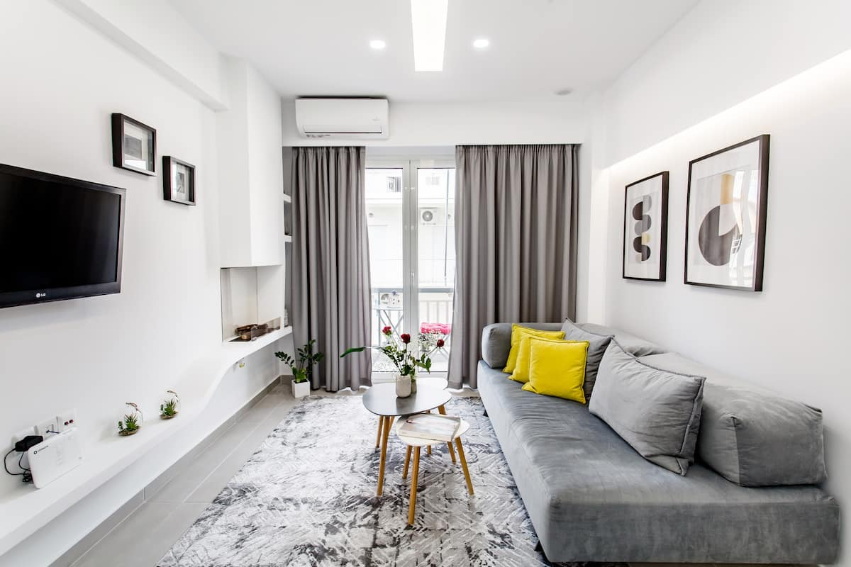 Design-Savvy Studio with a Cozy Balcony