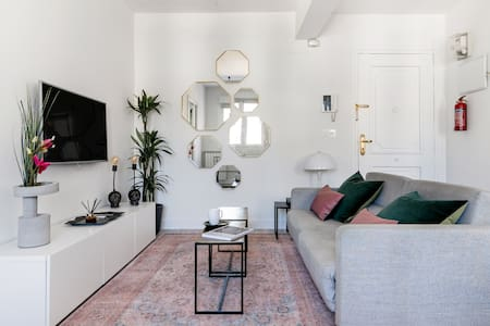 Eclectic Apartment in Historical Architecture Building