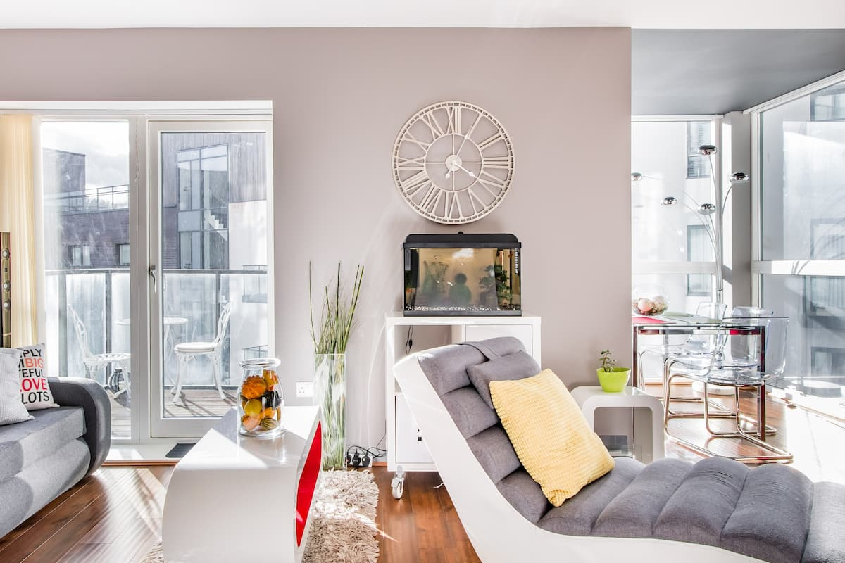 Visit St Patrick's from a Sunny Room in a Central Apartment