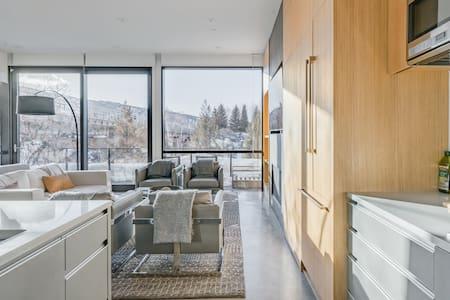 $7 Million Aspen 4BR | Built 2018 | Walk to Town