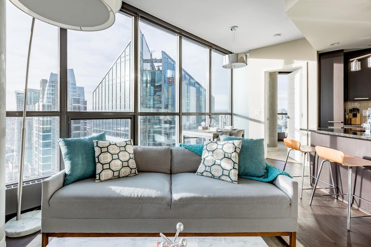 Enjoy Stunning Mountain Views in Stylish Executive Suite
