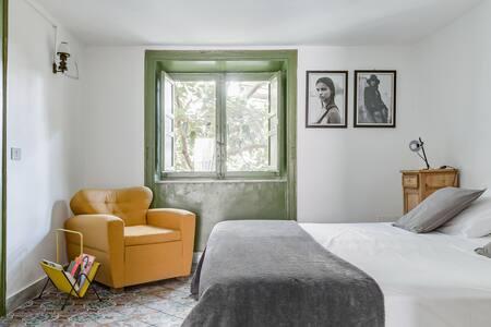 Surplus Charming Apartment