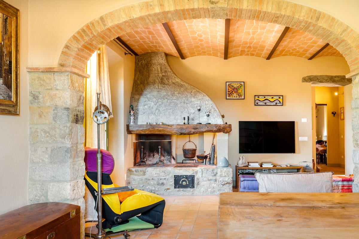 Appartamento di pregio in antico borgo vicino San Gimignano e Volterra