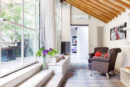 Splendido Loft Appartamento Vicino a Piazza Dei Spagna