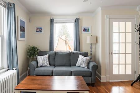 Second Floor Retreat in Central Newport