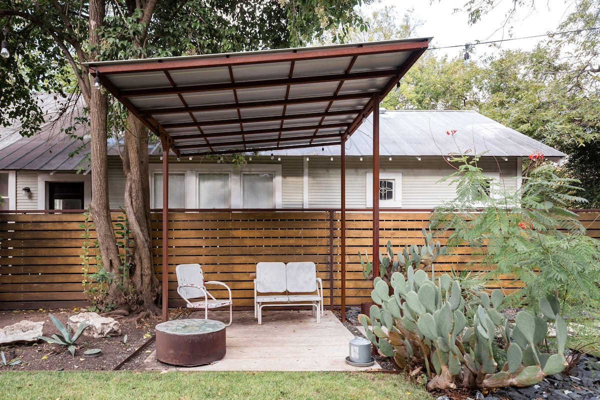 Cozy South Austin Guest House with Private Entrance