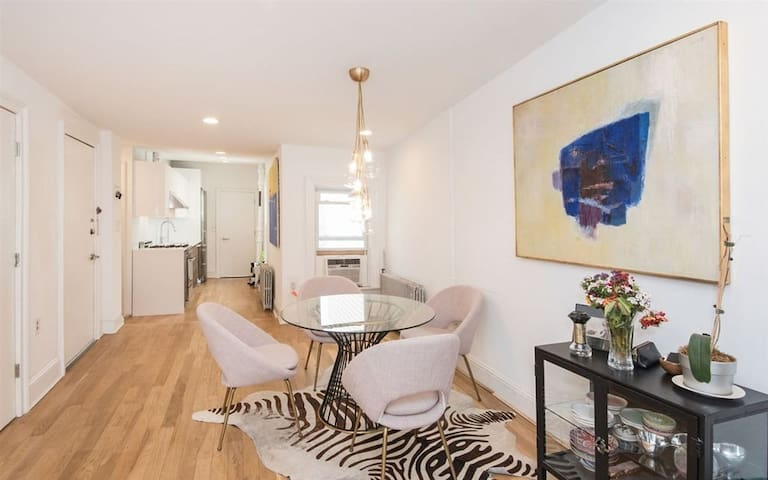 Historic & Modern. Sleeps 6! Minutes from NYC
