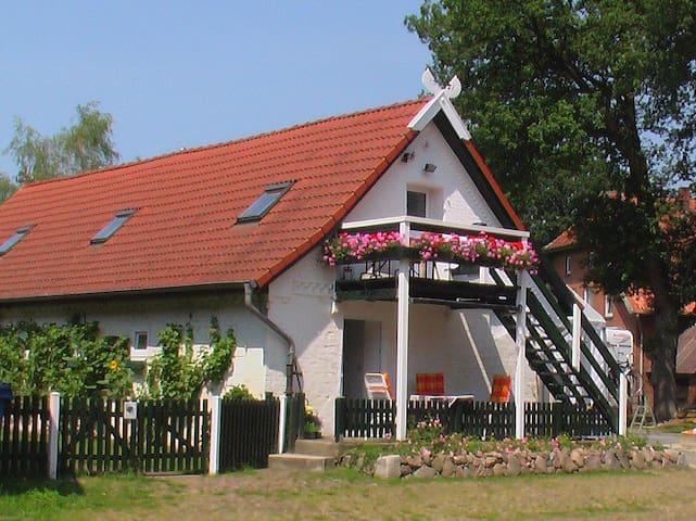 Toppenstedt的民宿
