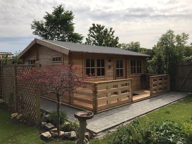 Log Cabin near historic Chester