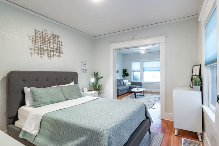 Spacious and Historic 1BR in Sunnyside!