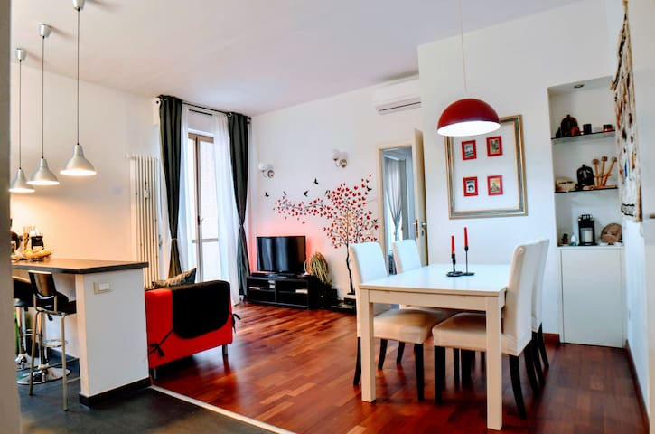 The red suite of Florence with free parking