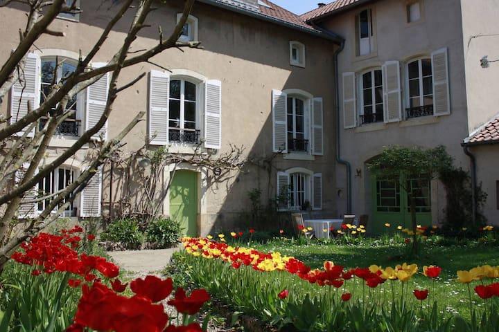 Ancy-sur-Moselle的民宿