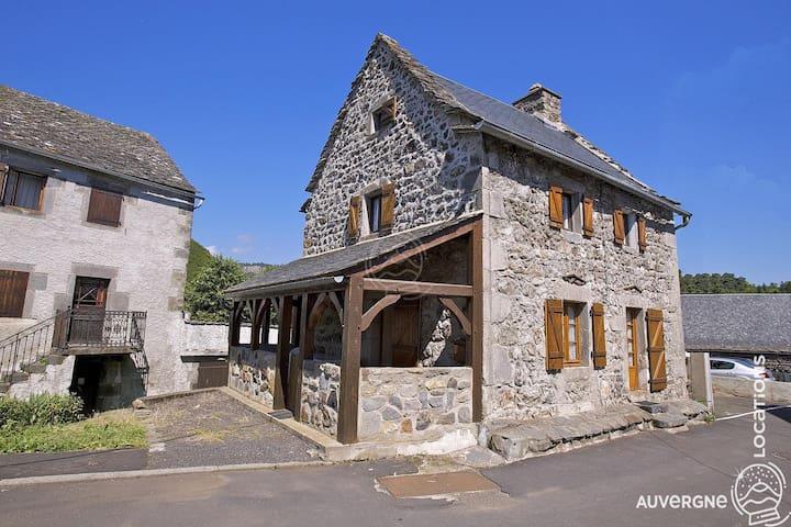 Gîte de Jassaguet, Auvergne, Centre village