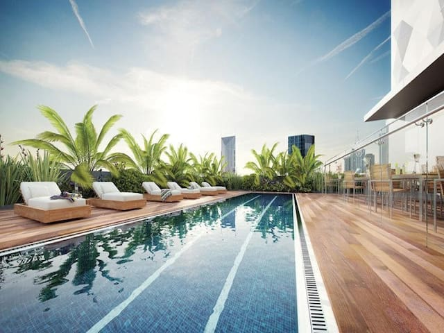 Central of Melbourne-Gym+SwimmingPool+SmartTV