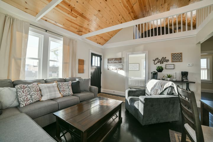 Quaint West Side Home Close to Downtown