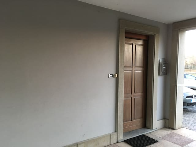 Whole apartment a few steps from Serravalle Outlet