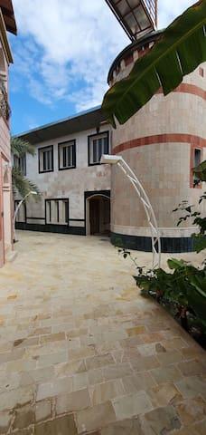 Al Rawdah Chalet near by Athawarah hot spring