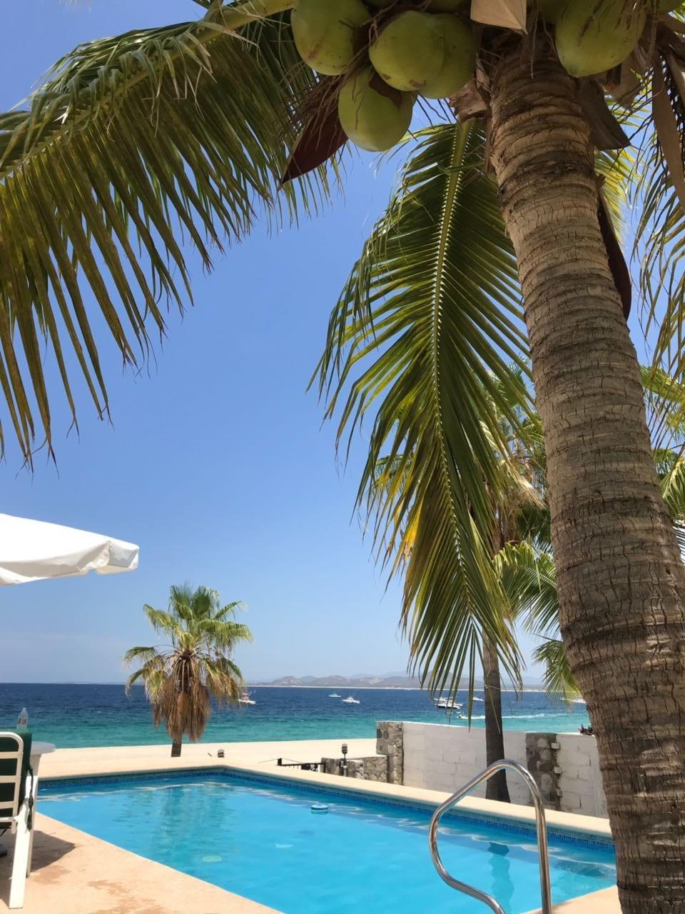 """Beachfront Loft """"Pargo"""" (Garden View)"""