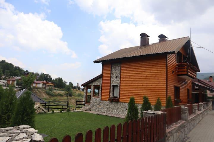 Mavrovo的民宿