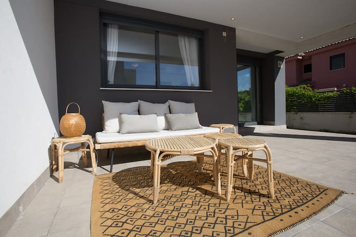 Bonita casa con piscina&jardin-zona vistahermosa