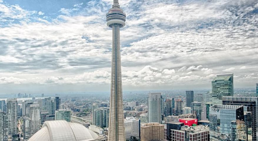 46th Floor Royal CN Tower View + Walk Everywhere