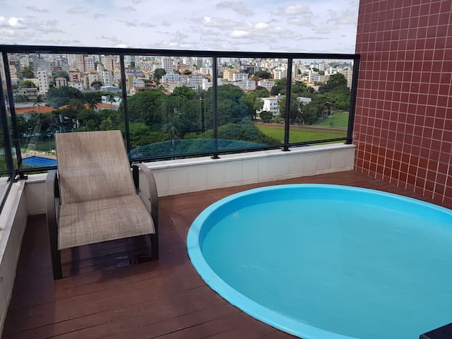 "Cobertura ""top house"" com piscina e churrasqueira"