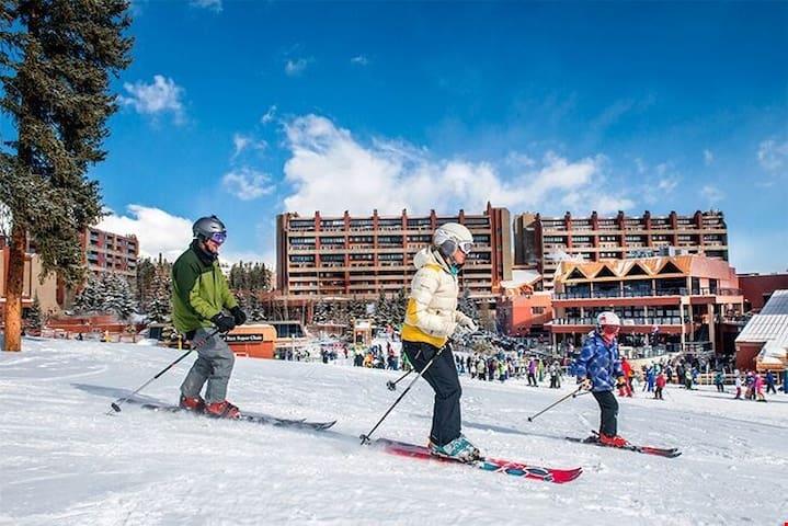 9 Hot Tubs, Pools, Spa | Ski-in/Ski-out Breck Retreat