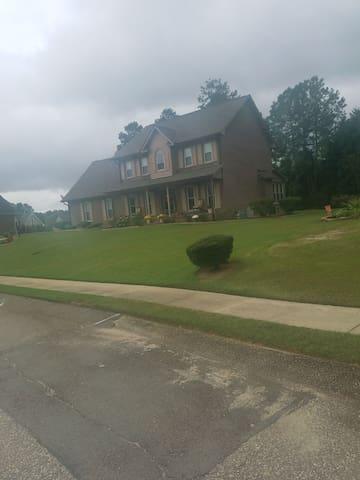 Fayetteville的民宿