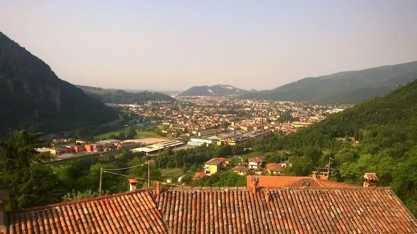 Villanuova sul Clisi的民宿
