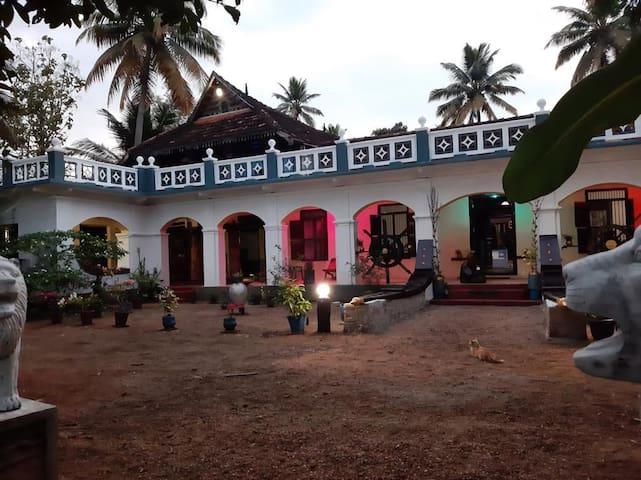 Kavalam的民宿
