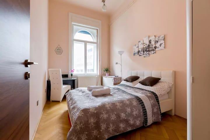 Crystal Bedroom  (Queen Size)