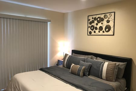 Brand new home near Disney, Knotts, and Beaches