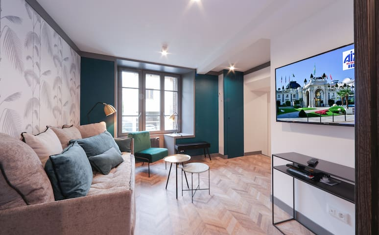 L'Alcôve, renovated apartment down town