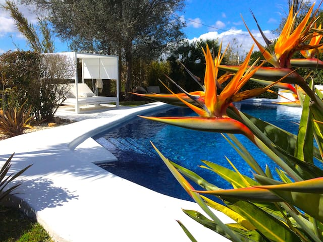BEAUTIFUL COUNTRY HOUSE IN MALLORCA