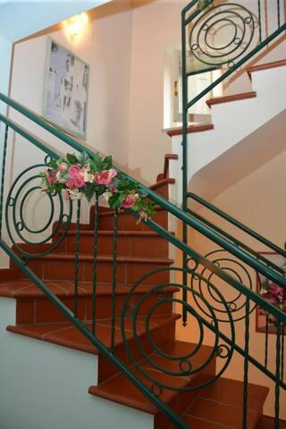 Beautiful artisan Italian Desiato built home