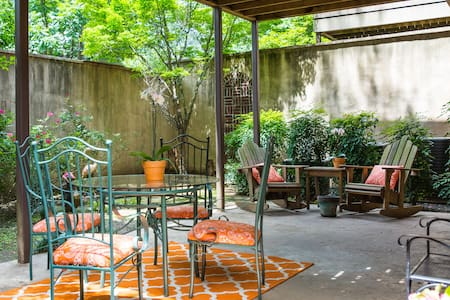 2-bedroom apt./incredible location-UAB/Downtown