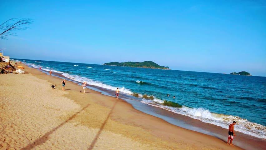 Balneário Barra do Sul的民宿