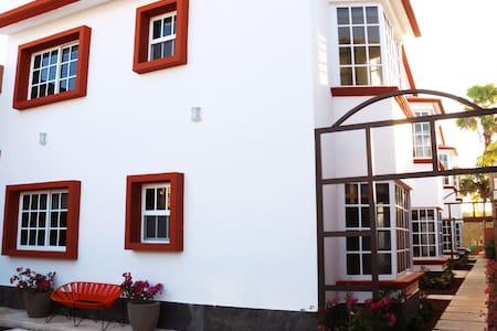 Suites Lorens, 7 new condos! Apartment 4