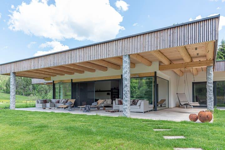 Ferienhaus am See mit Sauna und Whirlpool