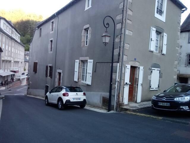 Chaudes-Aigues的民宿