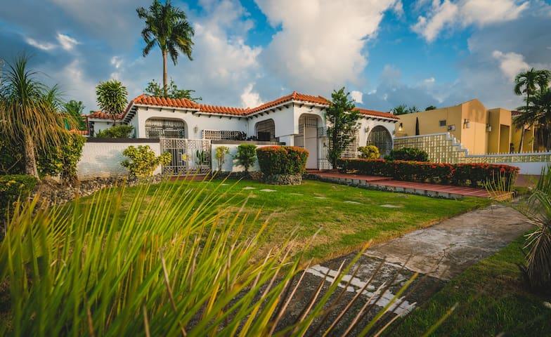 Dorado Villa Mia Retreat