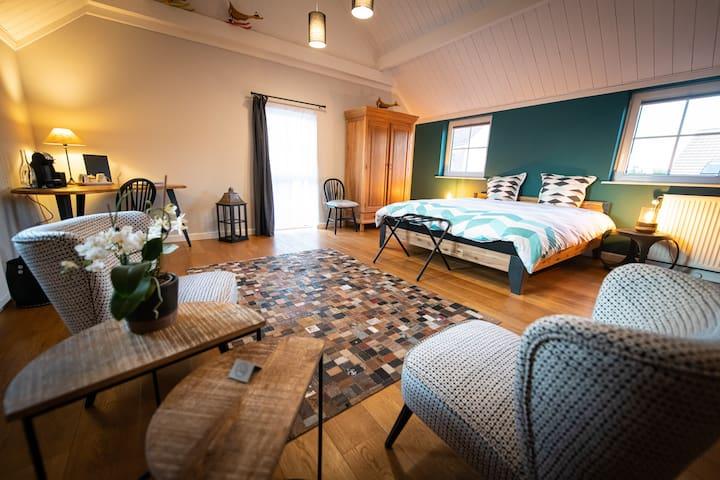La MADAL - Suite in a Brabançon style house