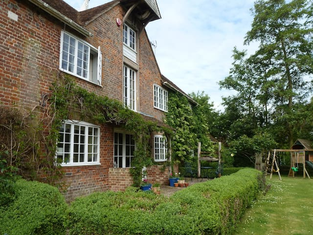 Kenfield Oast bed and breakfast
